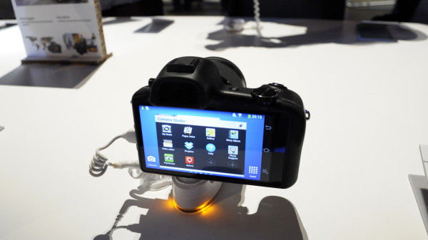 galaxy-nx-hands-on-05