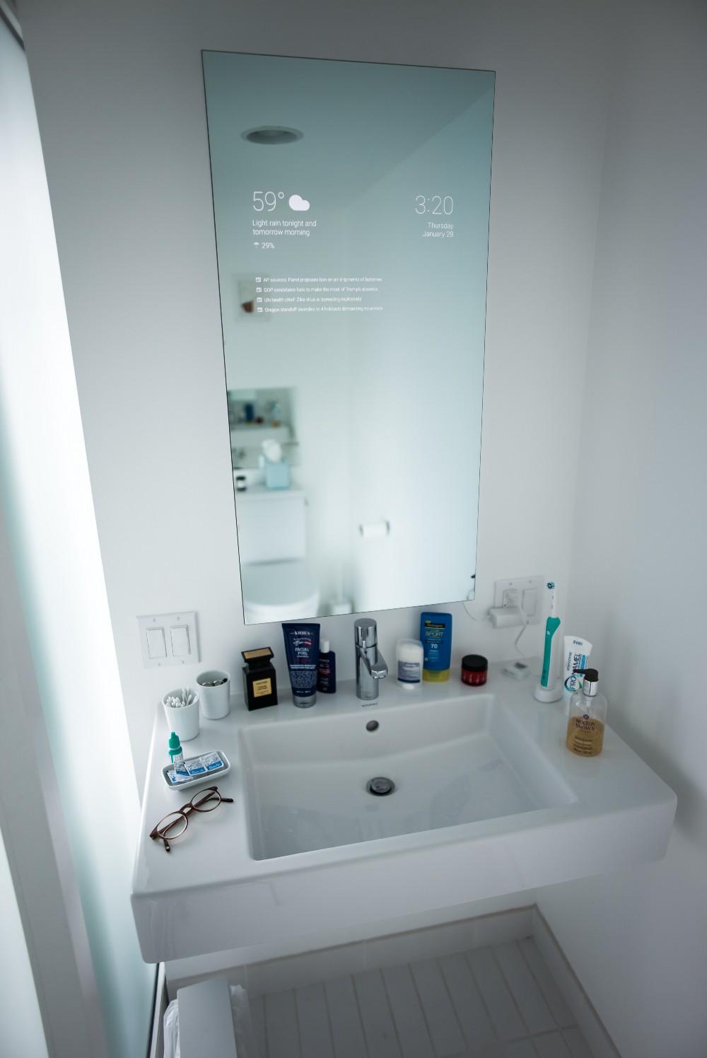 Google ingenjör bygger intelligent badrumsspegel   swedroid