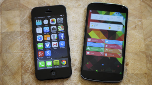 ios7-vs-android-home