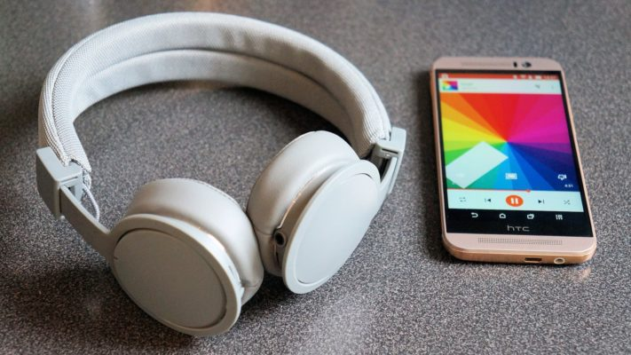 Test av trådlösa Bluetooth-hörlurarna Urbanears Plattan ADV Wireless ... b9c70c71e8bb8