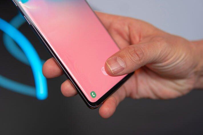 Vissa skärmskydd för Galaxy S10 utgör säkerhetsrisk, åtgärdas av Samsung
