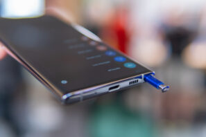 Galaxy Note 10: S-pen och USB-C-port